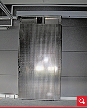 http://www.matchyra.pl-drzwi chlodnicze nierdzewne przesuwne CP-1 z oknem pod tor kolejki mazerowane