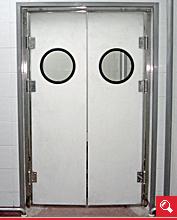http://www.matchyra.pl/drzwi polietylenowe wahadłowe dwuskrzydłowe WP-1 z bulajem
