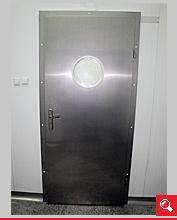 http://www.matchyra.pl-drzwi przemysłowe lekkie zawiasowe ZP-1 ze stali nierdzewnej gat. 1.4301 z bulajem