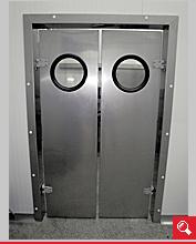 http://www.matchyra.pl-drzwi przemysłowe lekkie wahadłowe dwuskrzydłowe LW-2 z bulajem