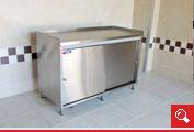 http://www.matchyra.pl- nierdzewny stół roboczy z szafką drzwi przesuwne, blat z trzema rantami